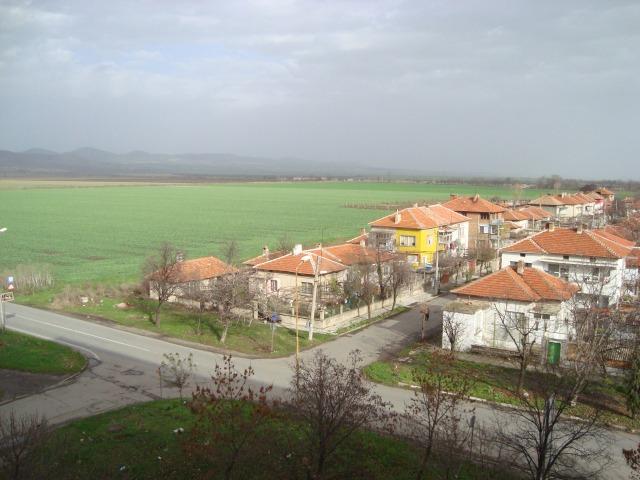 Two bedroom apartment for sale in Nova Zagora Bulgaria Bulgarian properties for sale - Buy